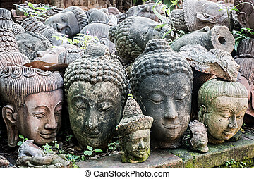 Ancient sculpture heads