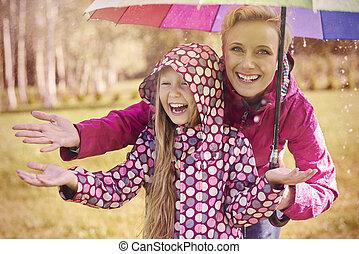 andar, chuva, lata, ser, um, grande, divertimento