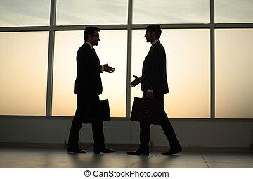 andar, dois, outro, homens negócios, cada