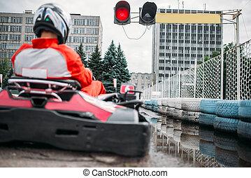 andare go-kart, driver, su, avvii linea, vista posteriore
