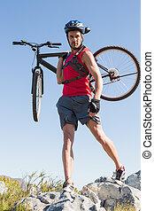 anfald, cyklist, bær, hans, bike, på, rocky terræn