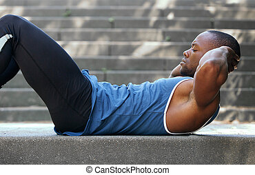 anfall, afrikanischer amerikanischer mann, machen, magen- knirschen