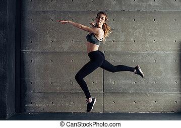 anfall, junge frau, springende , tanzen, fitness, sport.