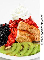Angel Food Cake And Berries