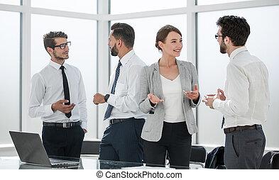 angestellte, firma, besprechen, arbeitsplatz