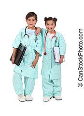 angezogene , kinder, zwei, doktoren