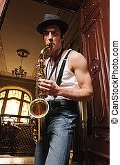 angle, virtuosic, vue, saxophone, bas, play., beau, jouer, homme