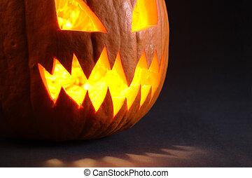 Angry pumpkin with big teeth