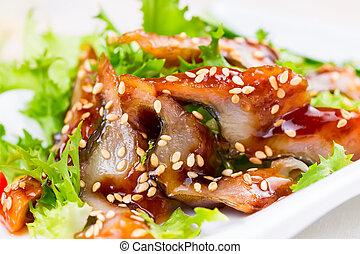 anguila, fumados, ensalada