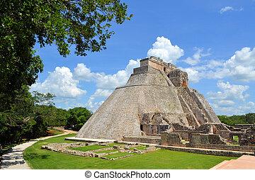 anicent, maya, pirámide, uxmal, en, yucatán, méxico