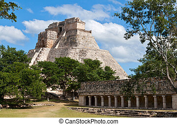 Anicent mayan pyramid (Pyramid of the Magician, Adivino ) in Uxmal, Mérida, Yucatán, Mexico