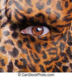 Gepard pattern on face