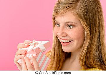 animato, ragazza, regalo, apertura