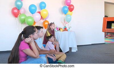 animator shows magic trick with empty box at birthday party