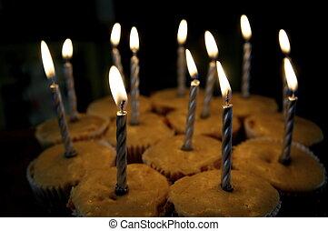 aniversário, cupcakes
