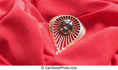 anneau, diamant, satin, rouges