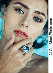 anneau, femme, piscine, saphir