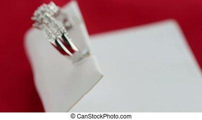 anneau, soie, noce blanche