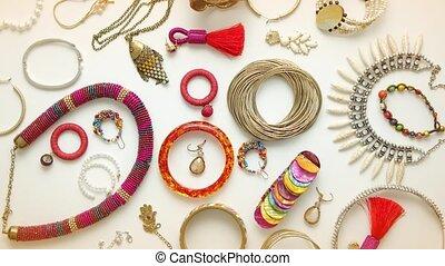 anneaux, bijouterie, plat, bracelets, boucles oreille, femme...
