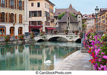 Annecy in september - Wonderful view of Annecy and Palais de...