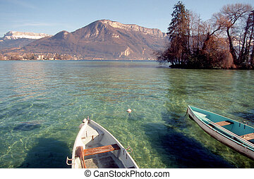 Annecy lake and boats - Annecy lake and fishing boats
