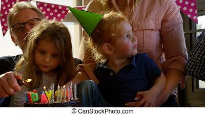 anniversaire, 4k, famille, célébrer, salle, vivant, fête