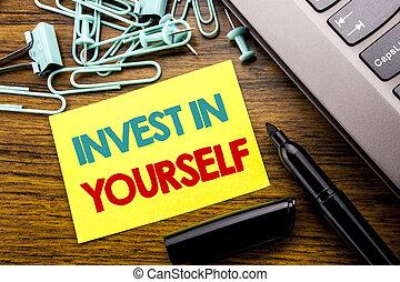 annonce, motivation, concept, projection, business, bois, texte, ordinateur portable, yourself., note collante, écrit, papier, investir, fond, clavier, marqueur, écriture, suivant, soi