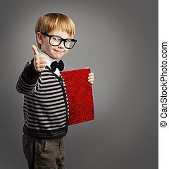 annonceur, école, pouce, certificat, garçon, lunettes, projection, certification, livre, haut, enfant, education, gosse