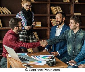 annonsering, chef, med, a, handslag, hälsa, den, kund