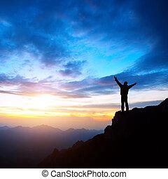 anochecer, ocaso, y, montañas