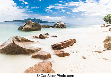 Anse Gaulettes - Beautifully shaped granite boulders and a...
