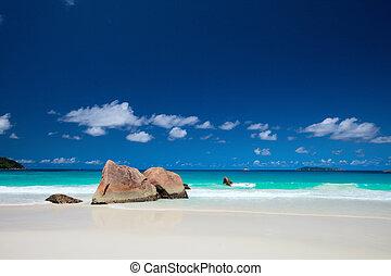 Anse Lazio beach in Seychelles - Anse Lazio the best beach ...