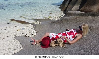 Anse Source d'Argent Tourism - Low tide, crystal sea and...
