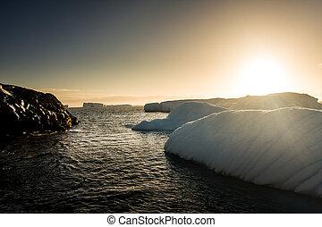 Antarctic glacier - Antarctic Glacier with cavities....