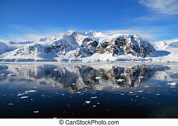 Antarctic peninsula mountains