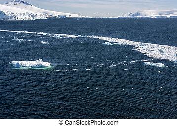 Sea Ice Off The Coast Of Antarctica - Antarctica - Landscape...