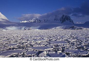 Antarctica - Panoramic view on antarctic snow mountains