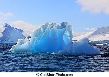 antarktis, eisberg, leuchtend, sonnenlicht