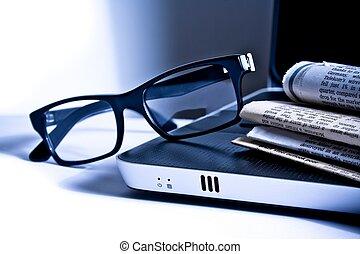 anteckningsbok, glasögon