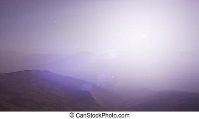 antena, górki, zielony, sceniczny, krajobraz, w, mgła