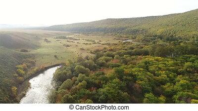 antena, mały, krajobraz, forests., rzeka, majestatyczny, prospekt