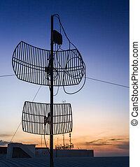 antenne, sur, les, coucher soleil, silhouette.
