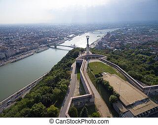 antennen beskådar, av, frihet, staty, hos, gellert, kulle, in, budapest.