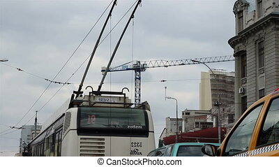 antennes, trolleybus, fils