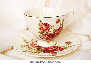 anticaglia, tazza tè, rose