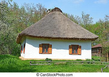 antico, capanna, con, uno, paglia, tetto