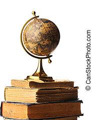 antieke globe, boekjes
