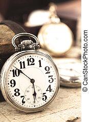 antigüedad, retro, plata, bolsillo, reloj