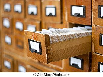 antigas, aberta, madeira, um, gaveta, catálogo, cartão
