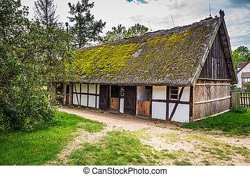 antigas, casa madeira, em, kluki, polônia